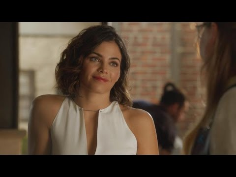 EXCLUSIVE: Lucy Lane and Kara Have an Awkward Conversation About Jimmy Olsen on