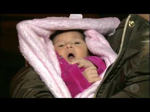 Bebê é entregue à família após nascer em rodovia