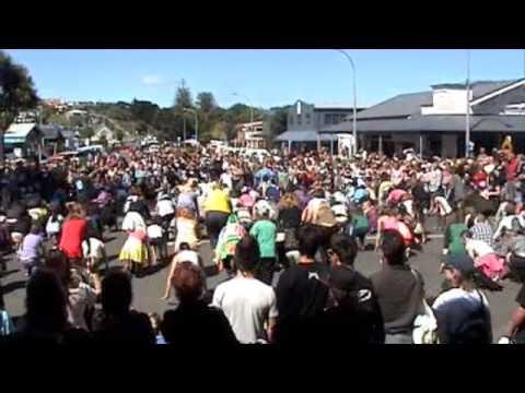 Flashmob Raglan NZ