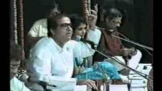 Suresh Wadkar Live...Yethoni Anandu Re Anandu...Album Omkar Swarupa...at Indradhanu Thane