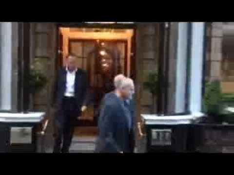 Rebekah Brooks Arriving At Rupert Murdochs House With James Murdoch - NOTW Phone Hacking *NEW*