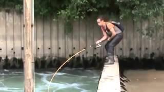 Nehirde inanılmaz yayın balığı avı - http://balikavciligi.org/
