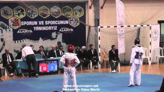 51kg Semifinal Emrullah Aydin vs K. Gorkem Kilic (2016 Turkish Junior Taekwondo Championships)