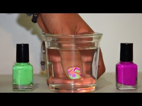 Pintar uñas con agua (Tip para esmaltes espesos)   Tutoriales de Belleza Pintar uñas con esmalte Videos De Viajes