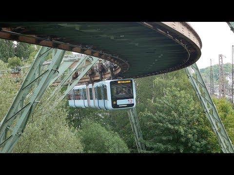 Schwebebahnverkehr in Wuppertal