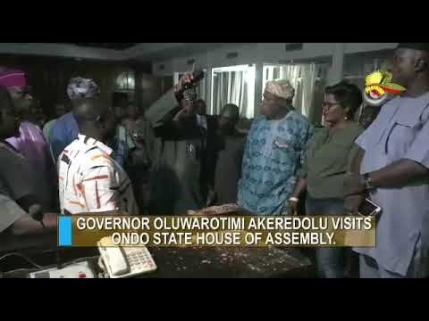 See How Governor Akeredolu, Lawmakers React To Ondo Assembly Snake Saga (Watch Video)