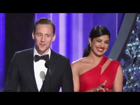 Tom Hiddleston Kisses & FLIRTS With Priyanka Chopra!