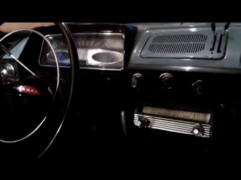 Moskvich 408 AT-64 radio playing FM waves