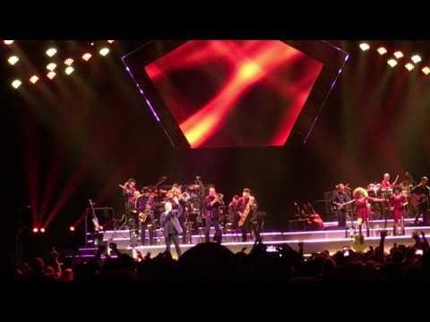 Neil Diamond- Cracklin Rosie-Live- United Center- Chicago 5/28/17