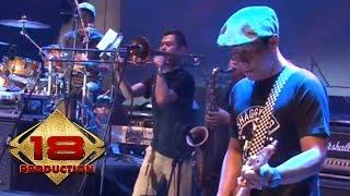 konser Band/Artis: Shaggydog Song: Di Sayyidan Dipopulerkan Oleh: Shaggydog ---------------------------------------- Subscribe 18 Production untuk mendapatkan ...