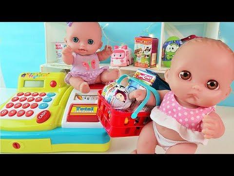 Видео: Куклы Пупсики Покупают Игрушки, Играем в Магазин Покупки Открываем Сюрпризы Маша и Медведь Зырики ТВ