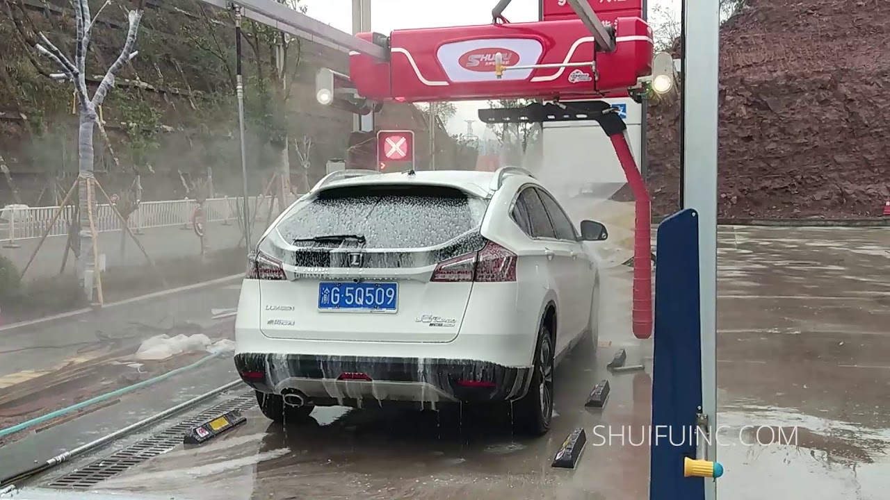 M7 Saber Touchless In Bay Automatic Car Wash Machine For Gas Fuel Station Deployed China