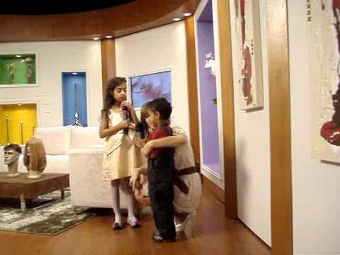 Crianas Cantando no Programa de TV tarob