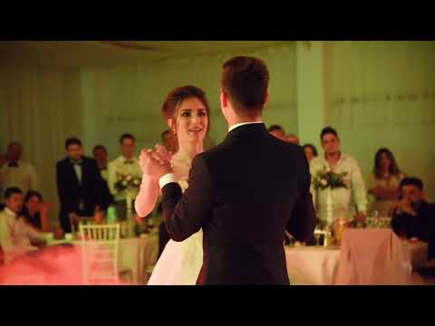 Livio & Carina Wedding Dance - Official 4K ( Ed Sheeran - Perfect ) thumbnail