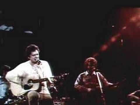 Harry Chapin sings ODD JOB MAN Live