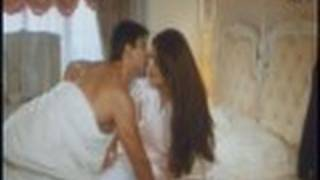 Breaking New!! Salman Gets Caught In Bed - Jab Pyaar Kisise Hota Hai