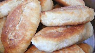 Жареные пирожки с мясом, яблоками