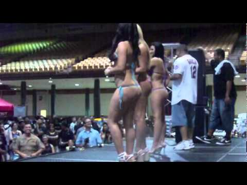 Nude women sex clips