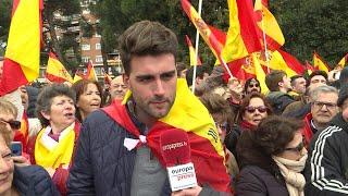 Manifestantes piden que Sánchez convoque elecciones