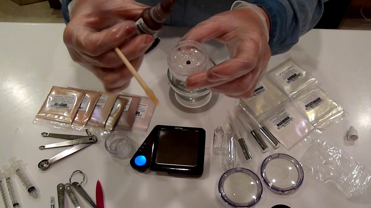 Making Lip Gloss with TKB's Versagel ***