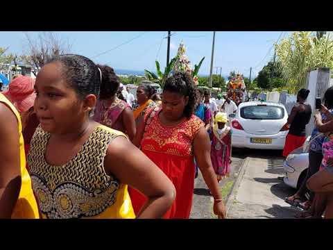 Procession chariot le Gol Saint-Louis