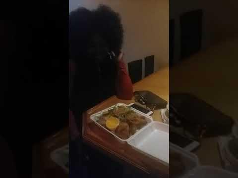 PATRON ENJOYING CHEF TROY VEGAN CHICKEN WITH TOFU SALAD PULSE ZERO SUNDAY BRUNCH NEW YORK 2019