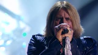 """Def Leppard perform """"Photograph"""" at the 2019 Rock & Roll Hall of Fame Induction Ceremony"""