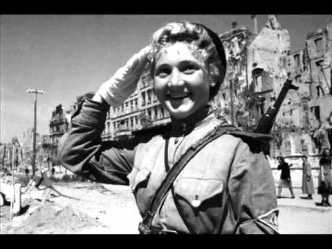 Краткая биография Симонова Константина