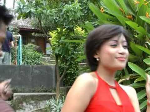 Lia feat Joni - Lanceng Paraban [Official Music Video]