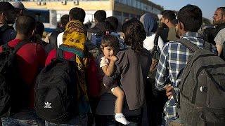 Глава МИД Франции раскритиковал миграционную политику Венгрии.(В афинский порт Пирей, в понедельник прибыл паром