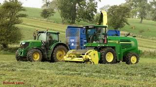 Red Clover Silage - Lifting with John Deere 7350.