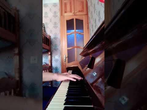 Sezen Aksu - Küçüğüm (piano)