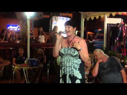 Karaoke Heike Bailay, Hero
