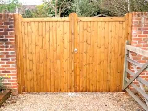 Double swinger wood driveway gates wrong vs for Double wooden driveway gates