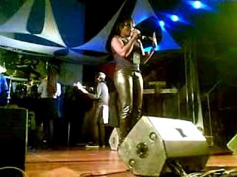 03 Tanya Stephens - Live in Costa Rica Medley #3 www.reggaeworldcrew.net