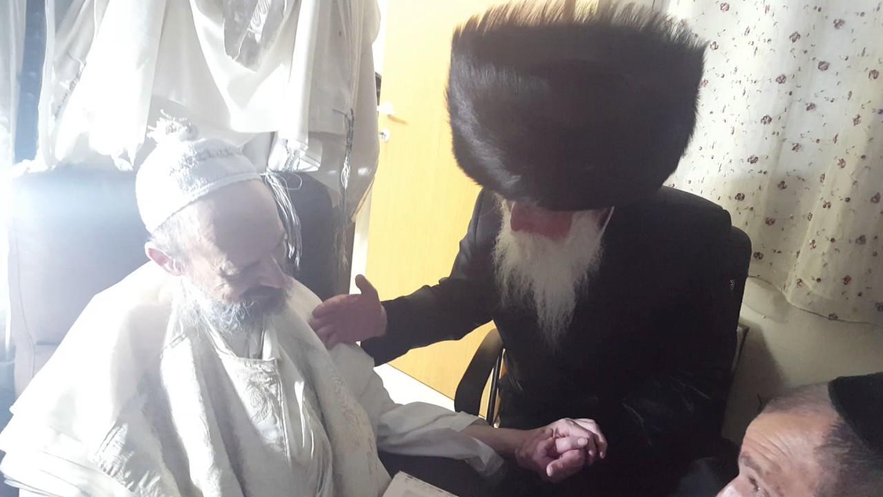 """פגישת הרב גרוסמן עם הרב קוק מוצא""""ש משפטים ראש חודש אדר תשעז"""