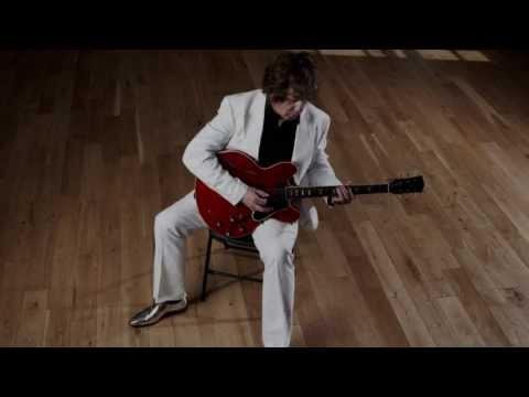Клип Gary Moore - Who Knows (What Tomorrow May Bring)?
