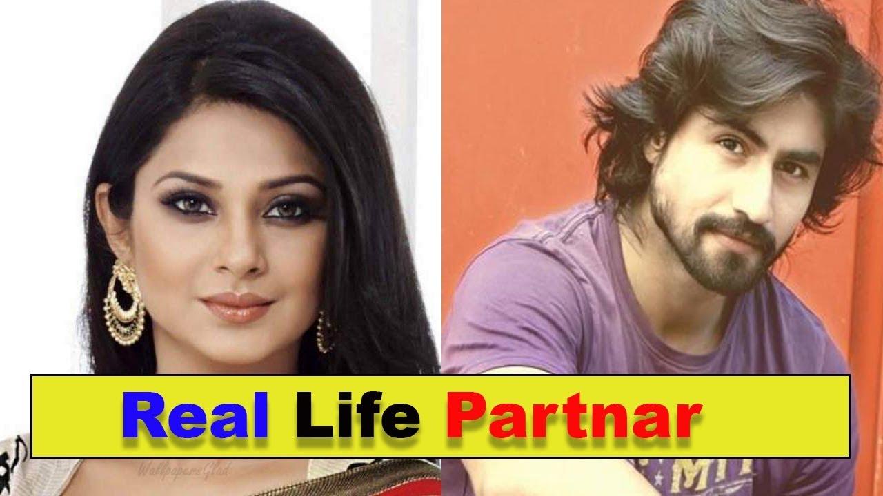 "Real Life Love Partners Of ""Bepannaah"" Actors | Jennifer ..."