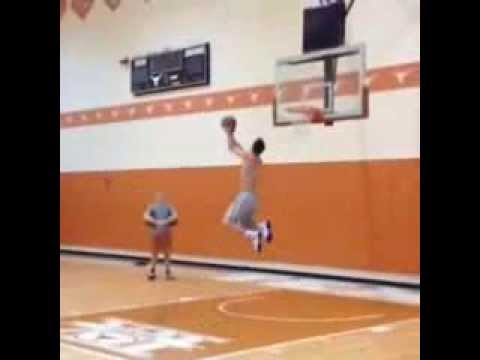 J.J. Redick Shows Off Hops In Preparation For 'Lob City'