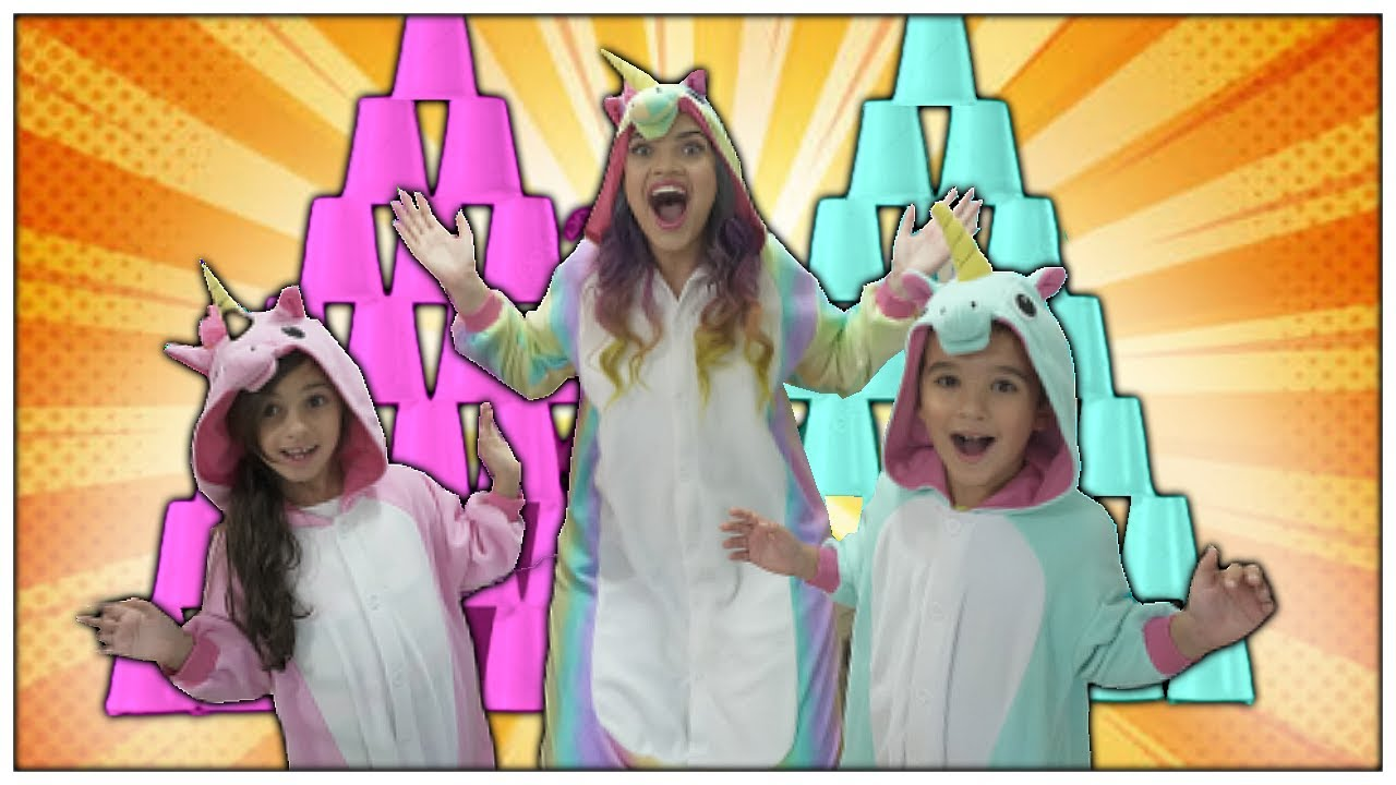 Unicorns Stacking A HUGE Cup Pyramid - Pretend Play Kids