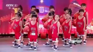 Team áo đỏ nhảy cực đỉnh