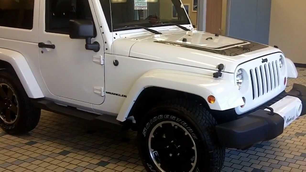 jeep wrangler altitude 2012 blanc 2 portes youtube. Black Bedroom Furniture Sets. Home Design Ideas