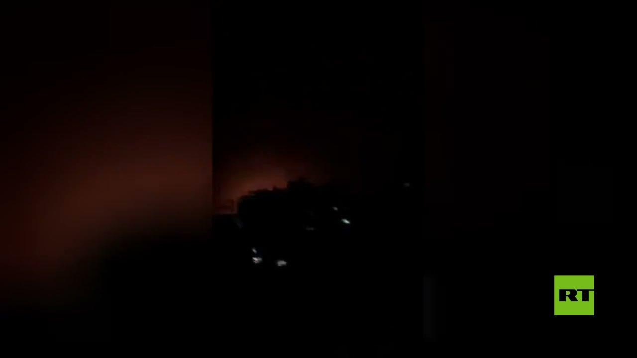 شاهد لحظة استهداف الطيران الإسرائيلي لأحد مواقع الفصائل الفلسطينية في غزة