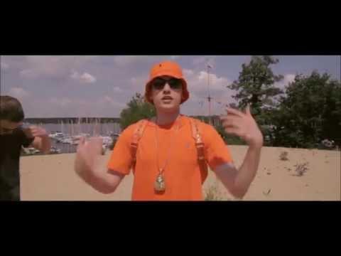 Traurig - Hustensaft Jüngling ft. Medikamenten Manfred (Offizielles Musikvideo)