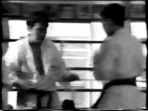 Sanpei 100 Man Kumite Санпей 100 человек Кумитэ 三平100人組手 Sanpei 100 رجل كوميتيه.