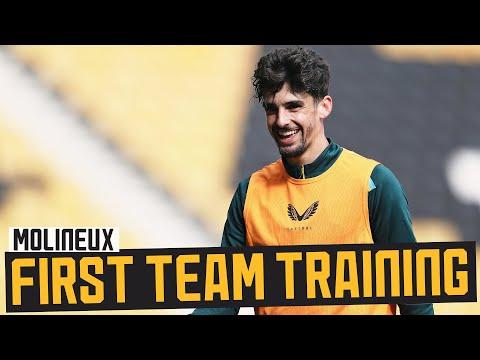 Training in Molineux!     Stadium screening before Newcastle