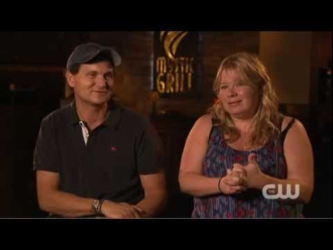 The Vampire Diaries Interview - Plec&Williamson 2x02 Brave The New Wold