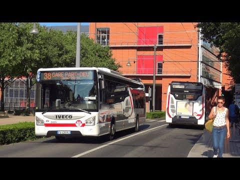 Bus TCL à La Cité Internationale De Lyon