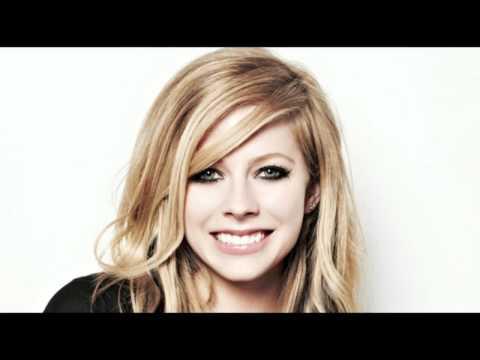 Smile (Instrumental) - Avril Lavigne [HQ]