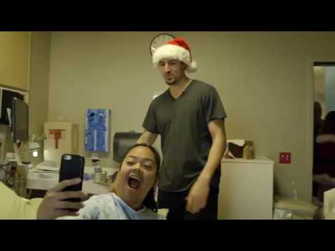Klay Thompson visits sick kids for the holidays